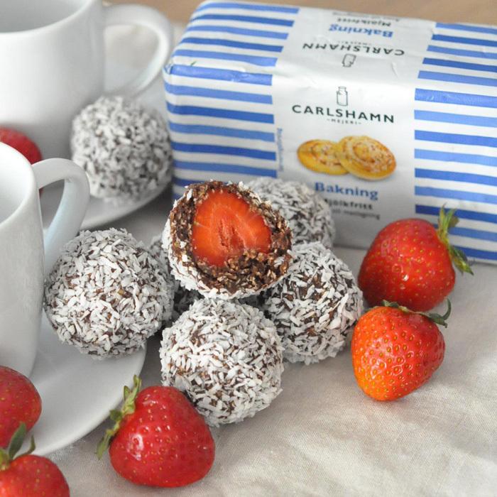 Chokladbollar med jordgubbsgömma!